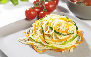 Spiralen aus Gemüse geschnitten